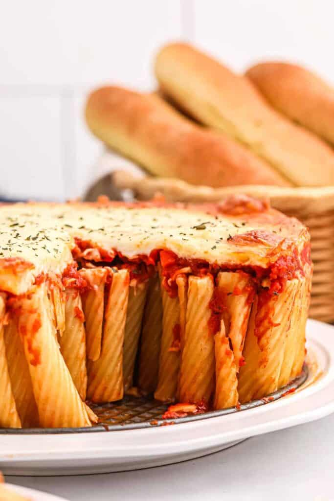 Rigatoni pie with cheese