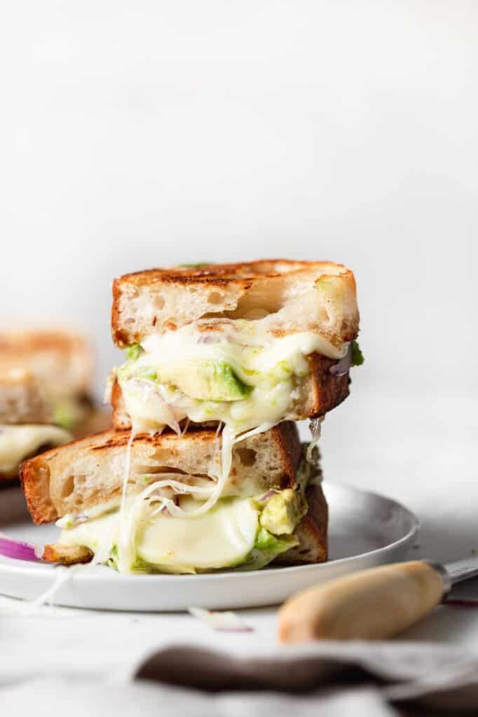 cheesy avocado grolled cheese
